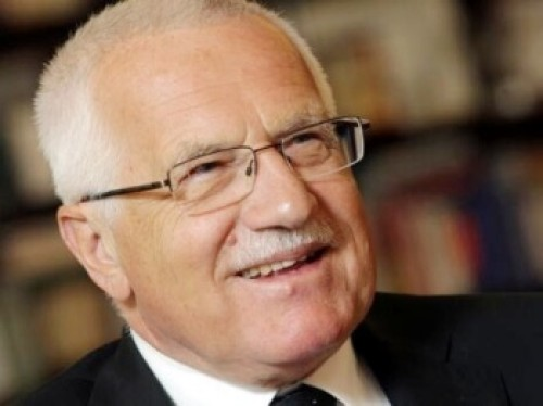 Václav Klaus v Chile reaguje na vítězství Miloše Zemana